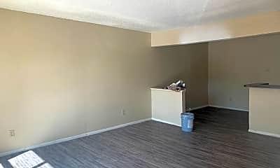 Living Room, 717 S Green St, 1