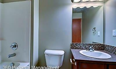 Bathroom, 125 NE Melrose Dr, 2