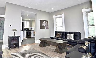 Living Room, 2830 Wyandot St, 1