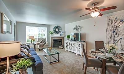 Living Room, Creekside at Tanasbourne, 1
