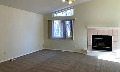 Living Room, 3024 Kingfisher Dr, 1