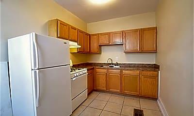 Kitchen, 4232 S Prieur St, 2