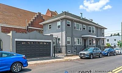 Building, 709 E 18Th St, 2