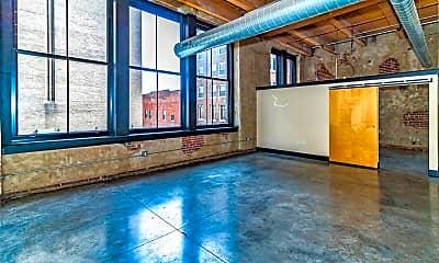 Living Room, 1113 Washington Ave 218, 1