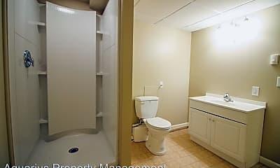 Bathroom, 4 Twin Knolls Ln, 2