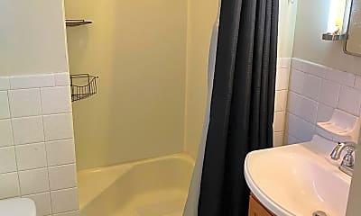 Bathroom, 435 S Main St, 1