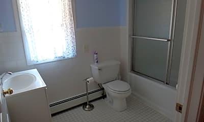 Bathroom, 772 Goodwin St, 2