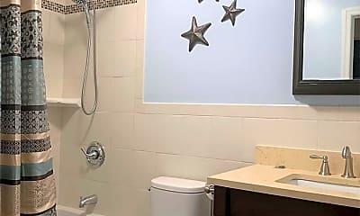Bathroom, 530 W Chester St MAIN, 2
