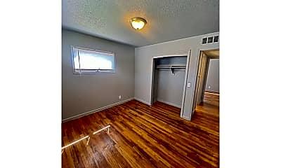 Kitchen, 4813 Boyd St, 1