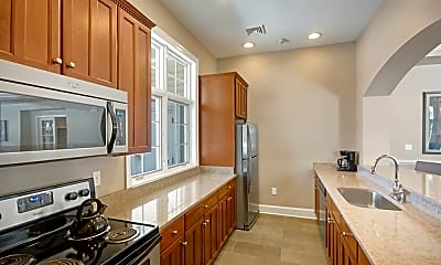 Golf Club Apartments and Townhomes, 1