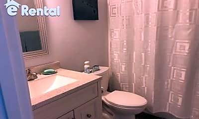 Bathroom, 40 Ala Mahiku St, 2