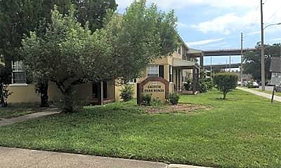 Griffin Park Apartments, 1