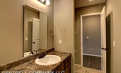 Bathroom, 4626 W Madison St, 2