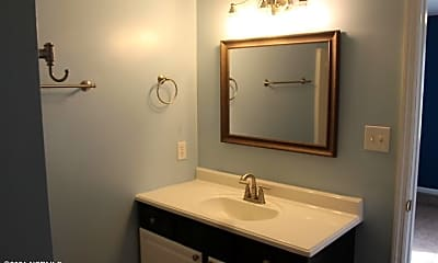 Bathroom, 110 Foxtrail Dr, 2
