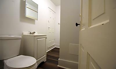 Bathroom, 1104 N 5th St, 2