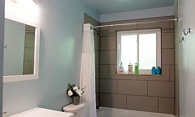 Bathroom, 1112 Fountain St, 2