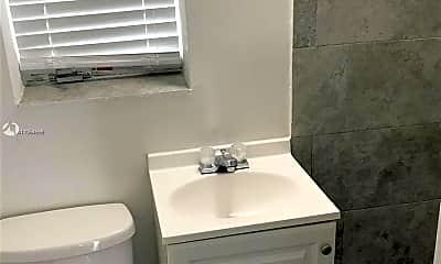 Bathroom, 1843 Dewey St 106, 2