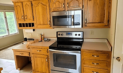 Kitchen, 956 S Greentree Ave, 2