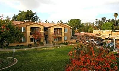 College Park Apartment, 2