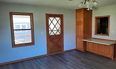 Patio / Deck, 630 N Pinecrest St, 2