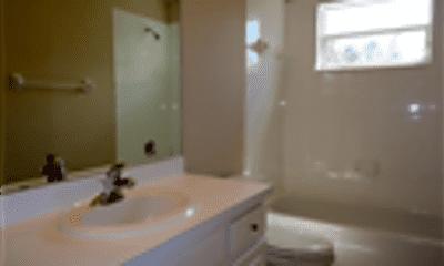 Bathroom, 16241 Nottingham Park Way, 2
