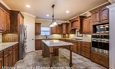 Kitchen, 6002 Glenwood Dr, 1
