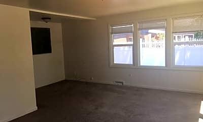 Building, 261 E 17th Ave, 1