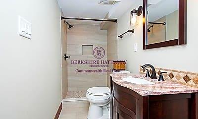 Bathroom, 9 Gibson St, 2