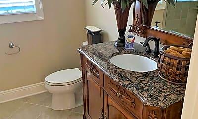Bathroom, 84 Locust Ave, 2
