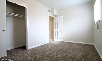 Bedroom, 5011 Poppleton Ave, 1