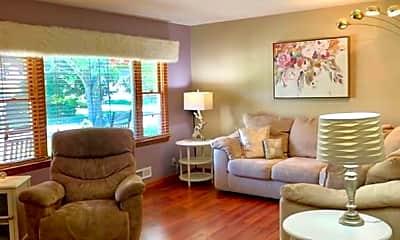 Living Room, 1008 Westchester Dr, 1