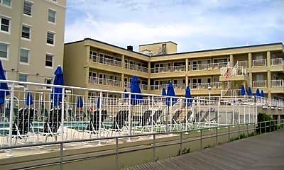 6100 Boardwalk, 1