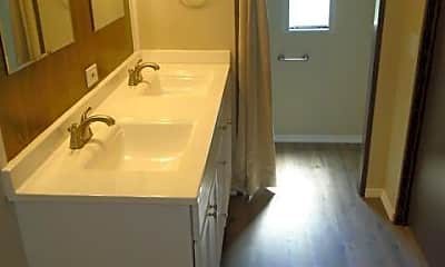 Bathroom, 104 McCausley Rd 3, 2