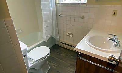 Bathroom, 78 Manor Dr, 2