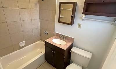 Bathroom, 924 Childrens Way 12, 1