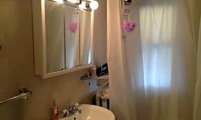Bathroom, 830 Carroll Ave, 2
