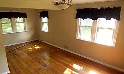 Living Room, 1410 Crescent St, 1