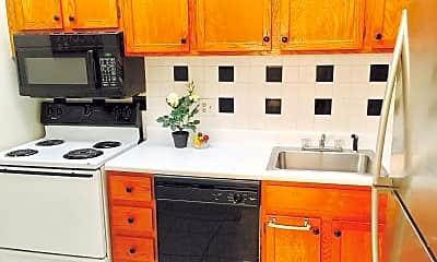 Kitchen, 3680 Inverrary Dr, 2