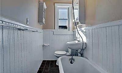 Bathroom, 166 Beaver St, 1