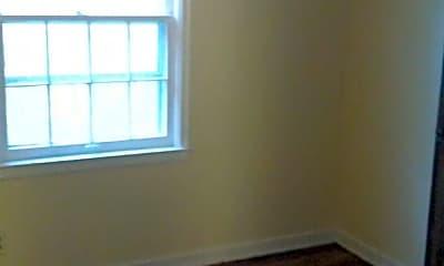 Bedroom, 409 N Longwood St, 1