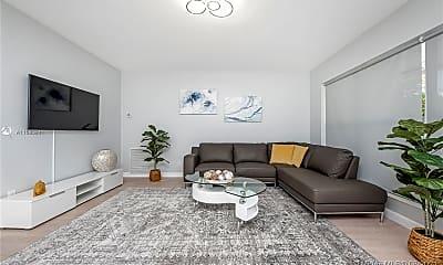 Living Room, 810 S Rainbow Dr, 1