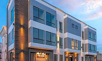 Building, 2401 N Mascher St 2, 2