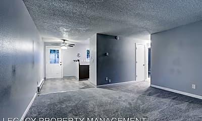 Living Room, 110 NE 160th Ave, 1