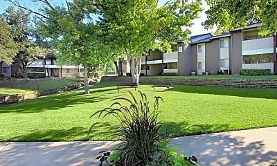 Courtyard, Hutton Creek, 1