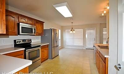 Kitchen, 6527 Graceland Dr, 1