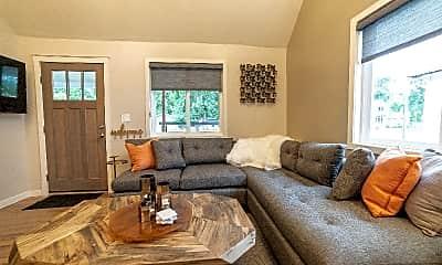 Living Room, 405 N Loomis Ave, 1