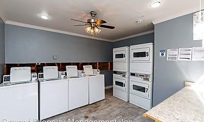 Living Room, 5722 University Ave, 2