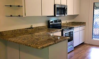 Kitchen, 362 Country Club Cir, 1