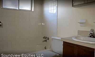 Bathroom, 3049 Southwest Blvd, 1