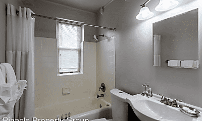 Bathroom, 26 Crescent Rd, 2